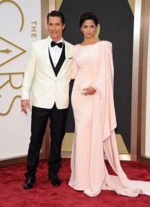 Matthew McConaughey in ivory Dolce & Gabbana (Axelle / Bauer-Griffin)