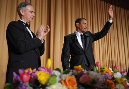 Waving goodbye to the long tie at the 2009 White House Correspondents' Dinner.  (Getty)