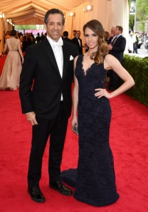 Designer Kenneth Cole representing the white bow tie black tuxedo crowd. (Larry Busacca / Getty)