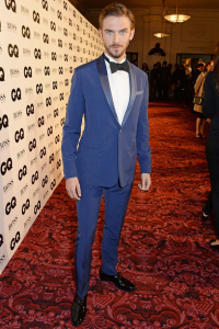 "Downton Abbey's Dan Stevens ""Prussian blue"" Dior Homme tuxedo garnered a huge amount of attention from onlookers . . .  which is exactly why it's totally unsuitable as formal evening wear. (Getty Images)"