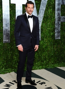 Bradley Cooper in midnight-blue Tom Ford at the 2012 Vanity Fair Oscar party. (Alberto E. Rodriguez/Getty Images)