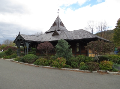 The Tuxedo train station was restored to its original 1186 charm in 2009. (Black Tie Guide)